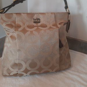 SAME COACH BAG WITH MORE PICTURE !